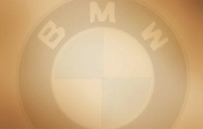 BMW Marketingstrategie Social Media Strategie – Darlegung wie besagte Strategie sich entwickelte und wie sie verändert wurde.
