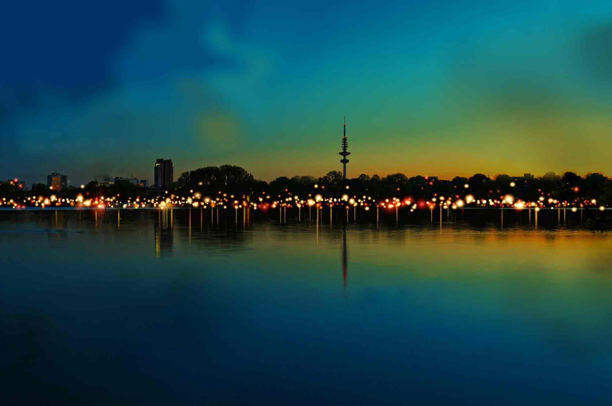 Hamburg Außenalster bei 21 Lights Event und Nacht
