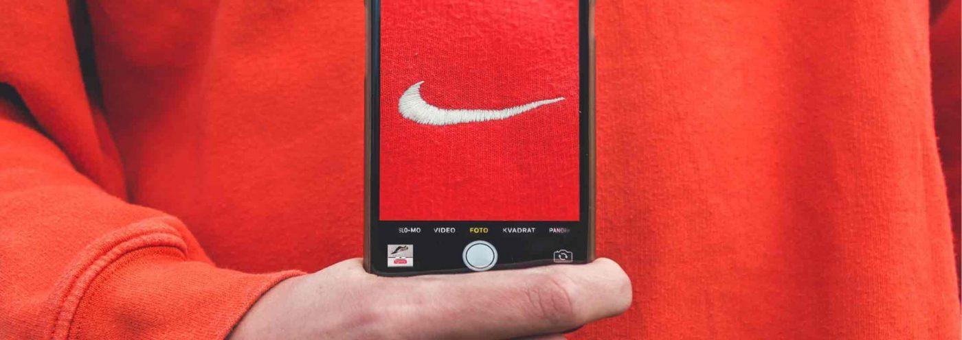 Shirt von Nike. Der Googlebot kann dies in Zukunft erkennen.