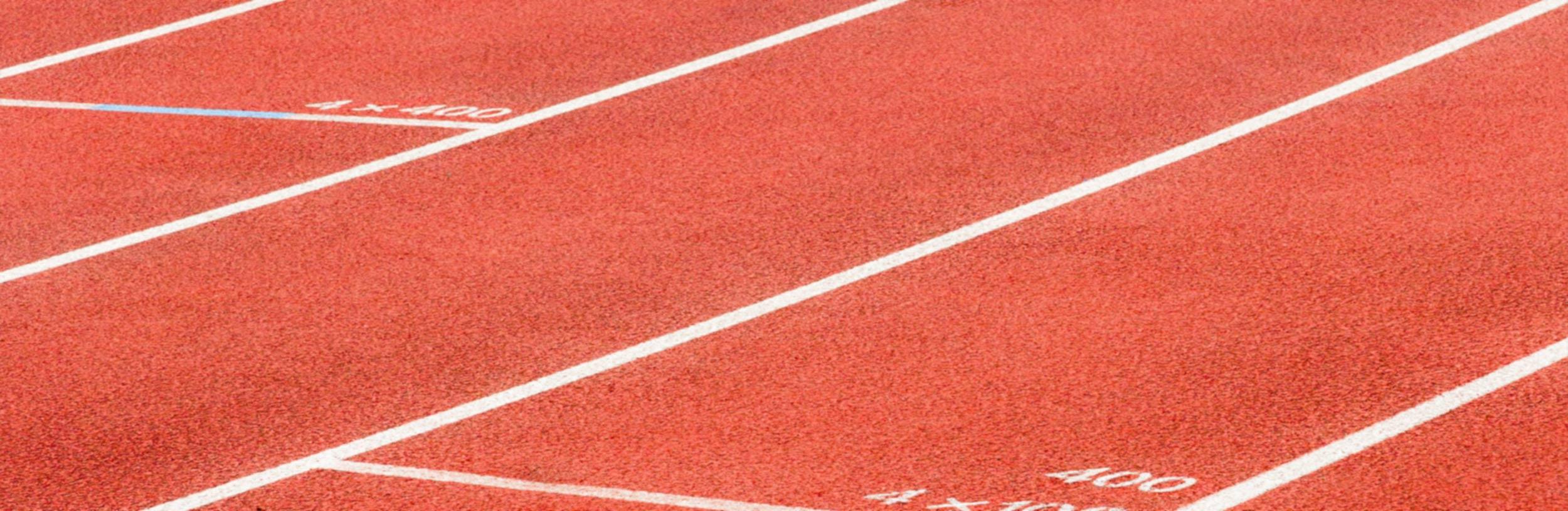 Wettkampfbahn deutet die Geschwindigkeit an, mit der MAINKA in der Beratung und Strategie tätig sein kann