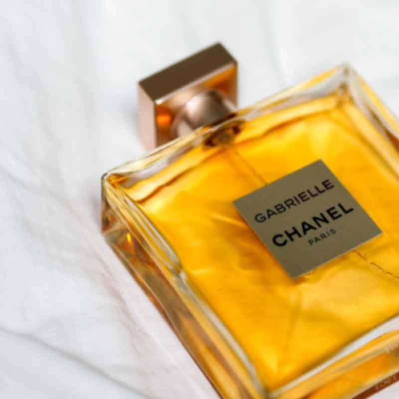Ein Flacon von Chanel